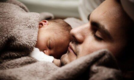 Padre de baja paternidad